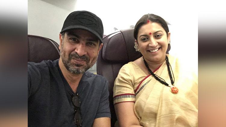ronit roy and smriti irani reunion in flight