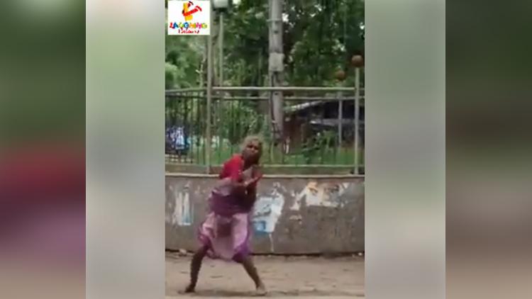old woman dance on akshy kumar song viral