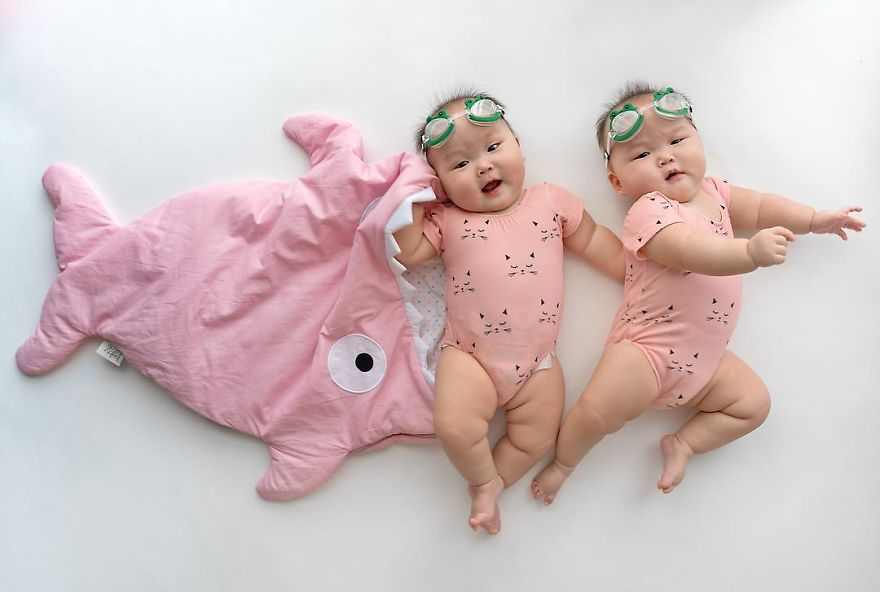 cute twins babies photos