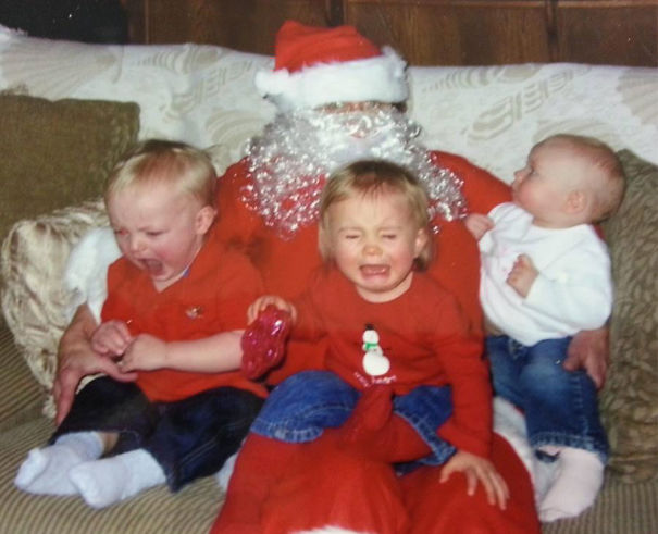 viral pictures of santa and the kids