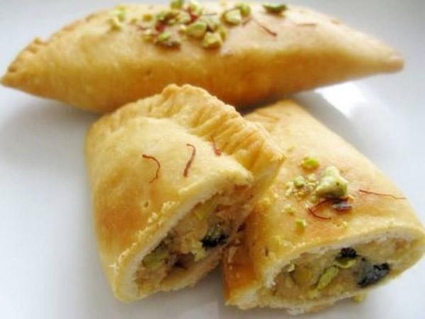 Make this Diwali delicious Gujiya