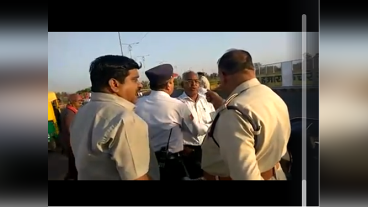 police beating senior citizen in indore