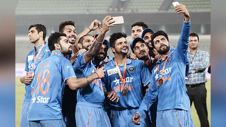 what the indian people think about Group Selfie Being Indian video