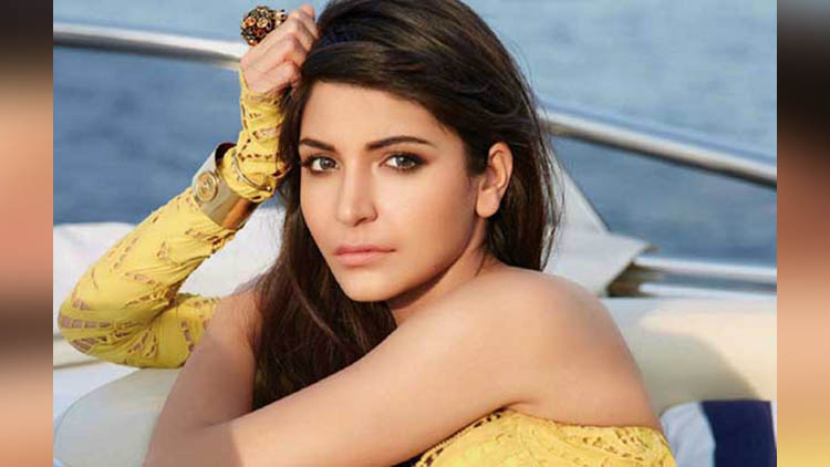 anushka sharma will make a film on love story