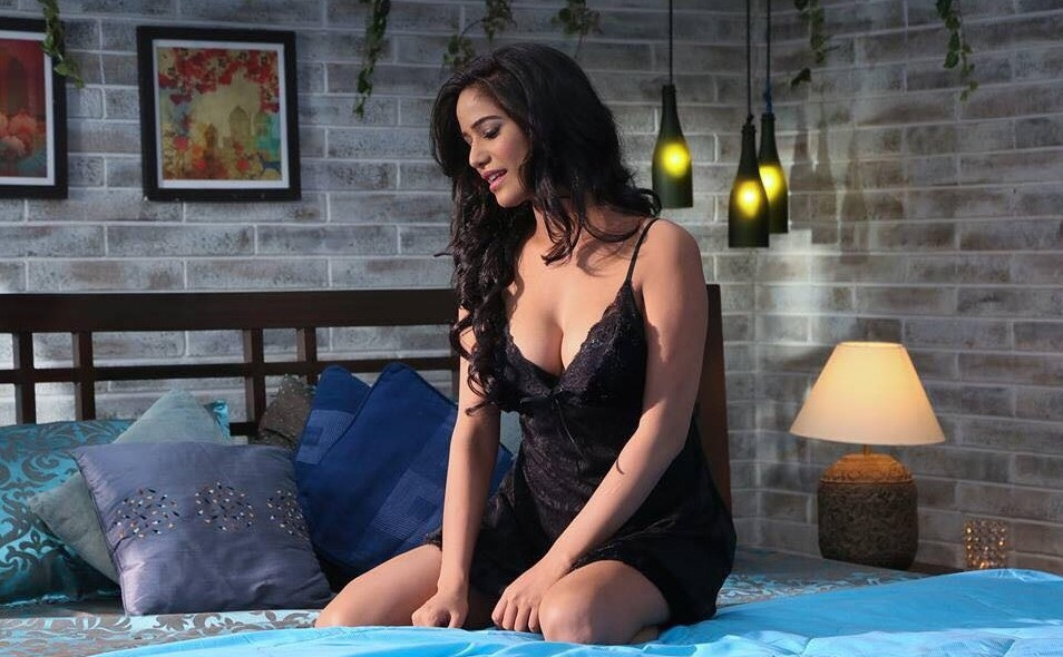 poonam pandey video about breast cancer
