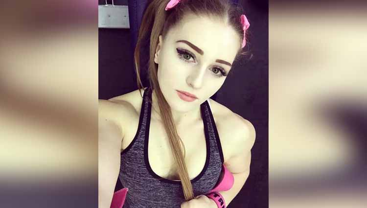 Julia Vins has the face of a porcelain doll and the body of the HULK