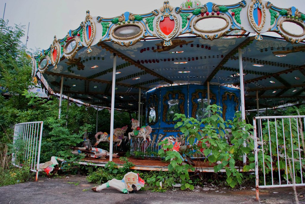 Abandoned amusement parks of the world