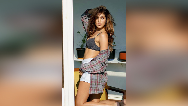Rhea Chakraborty bags a role in Half Girlfriend