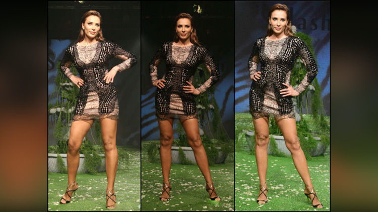 Iulia Vantur ramp walk on lakme fashion week