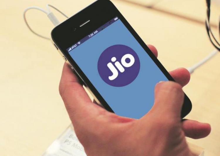 jio may launch 4g phone at rs 999