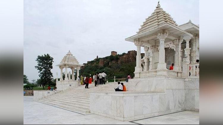 Amazing Scientific Reasons Behind Hindu Traditions