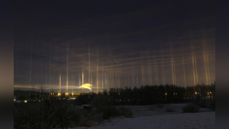 amazing light pillars in northern ontario