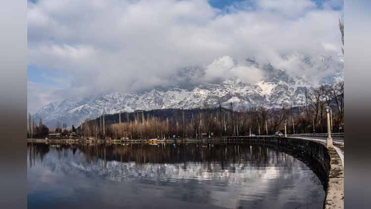 Heaven on Earth: Kashmir is You Need to Visit This Winters and Here's the Proof...