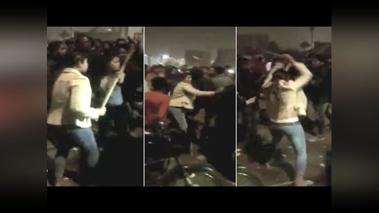Girl thrashes stalkers with stick in Lucknow
