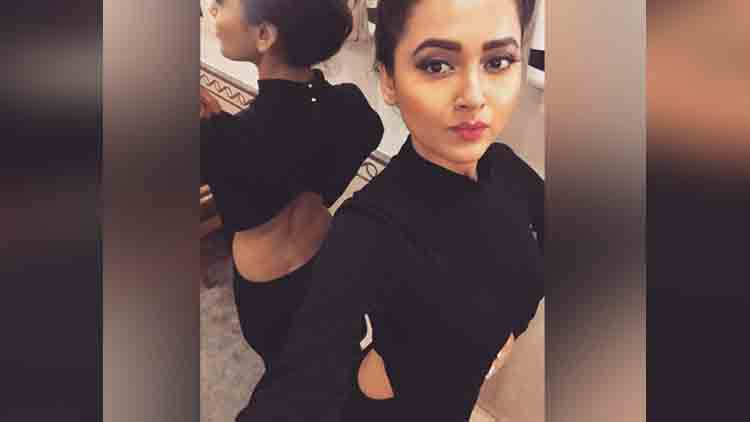 tv actress tejaswi prakash romance with 10 year younger child actor