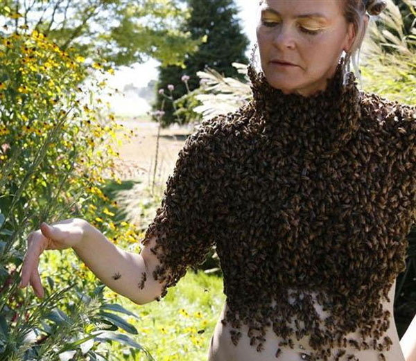 This woman loves to wear clothes bees