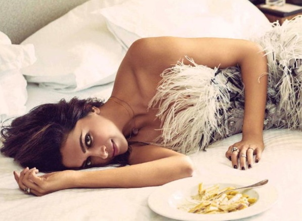 hot photoshoot for of deepika padukone for vogue magazine