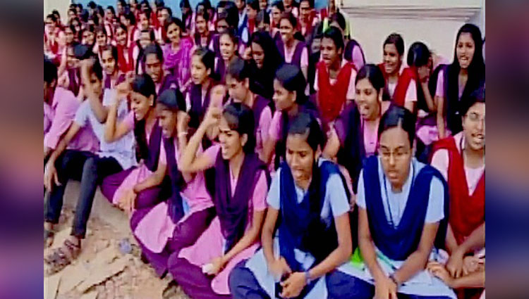 Wtf! This College In Kerala Imposed A Rule Of Not Closing Doors While Changing Clothes As They Might Get Involved In Homosexual Activity
