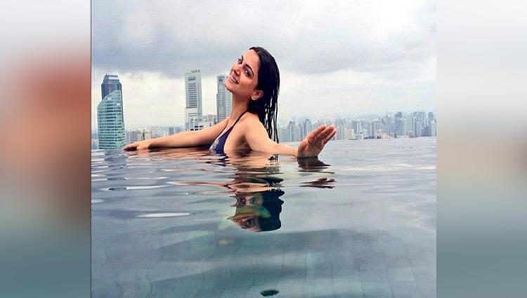shradha arya hot bikini photos