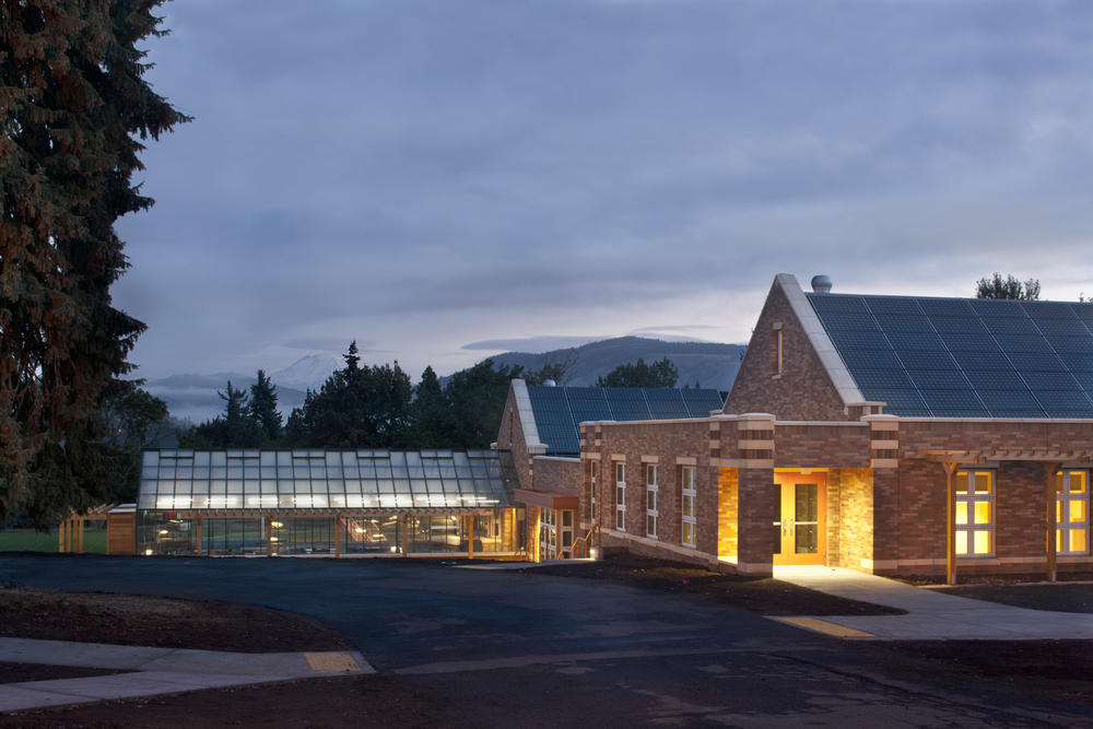 Top 10 Beautiful And Hi-Tech Schools In The World