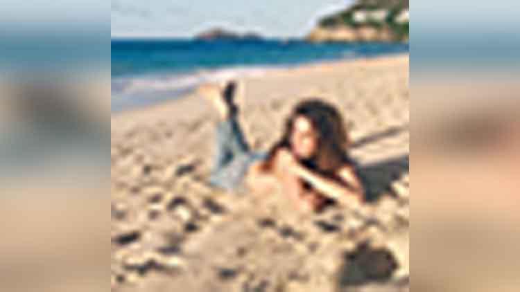 cindy crawford topless photos