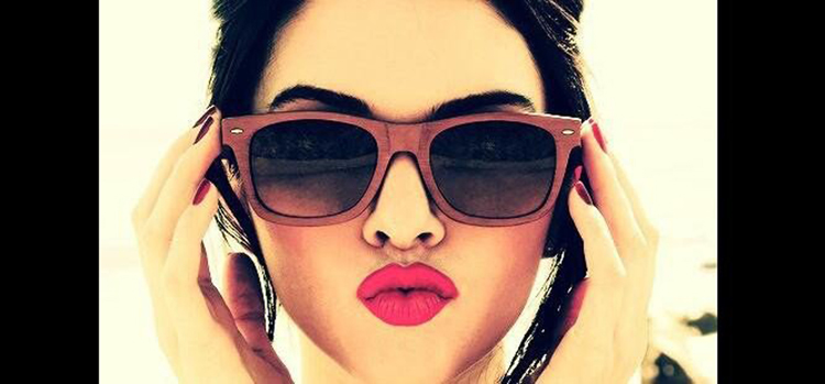 bollywood actress sexy selfie pout