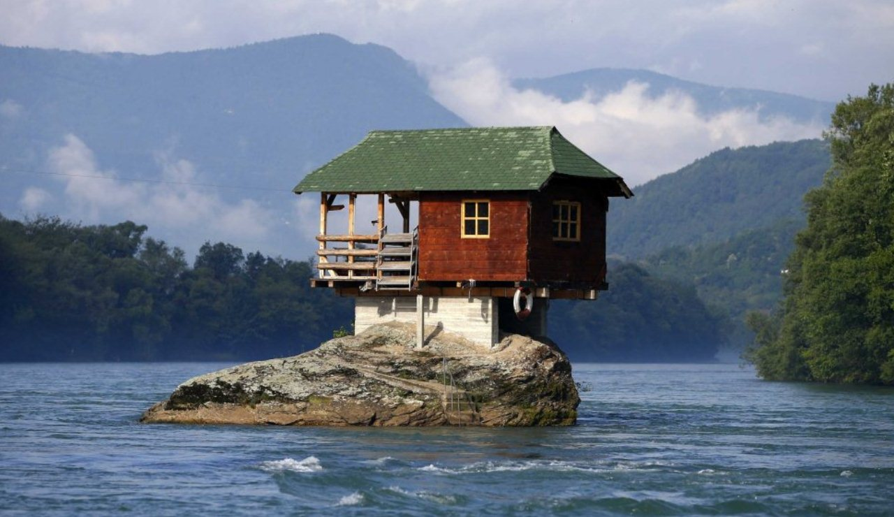 stunning houses around in the world