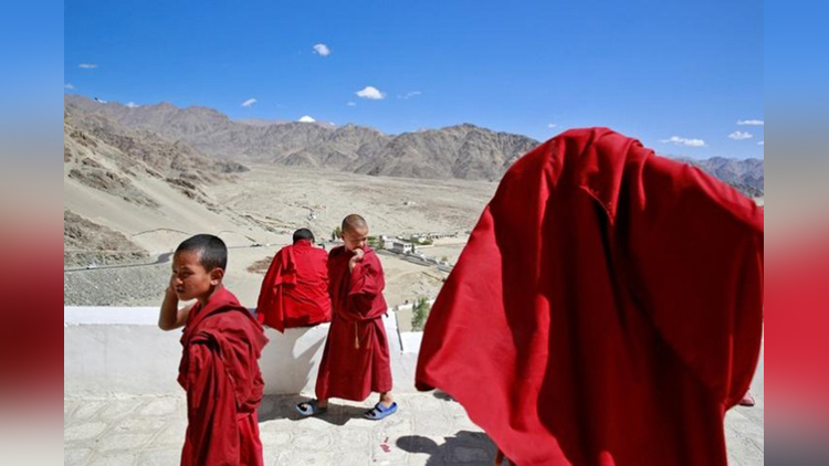 Child monks and child nuns
