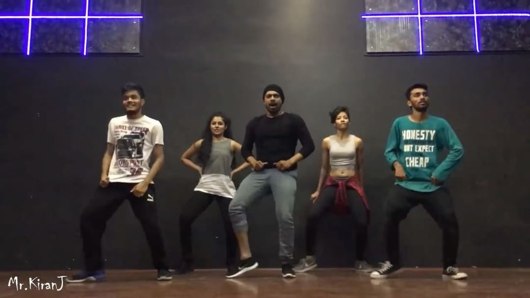 viral video of dance on tu cheez badi hai mast mast KiranJ