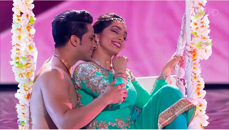 Kathak On 'Jag Ghoomeya' At Russia's Got Talent Will Make You To Love The Duo