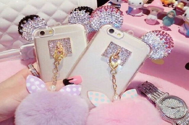 mobile covers in girls fashion trend nowadays