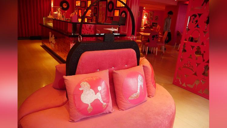 world\\\'s first Barbie Café in taiwan