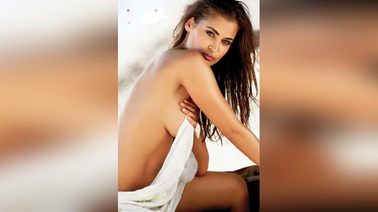 Most Beautiful South African model shashi naidoo