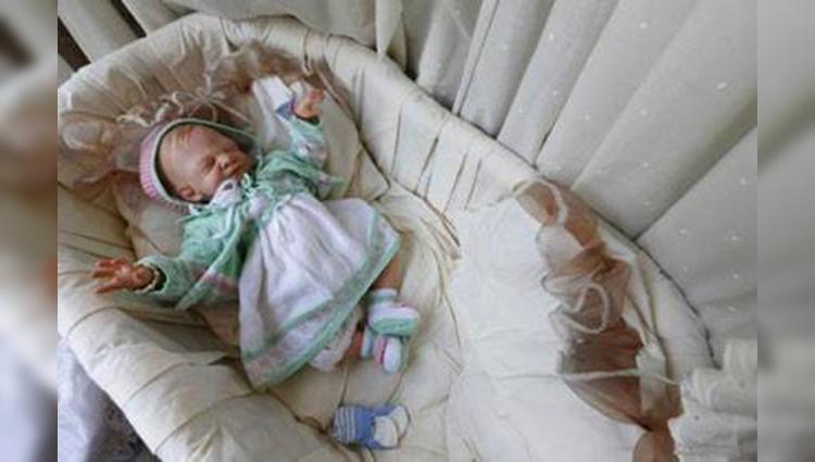 Belgian artist make reborn baby dolls