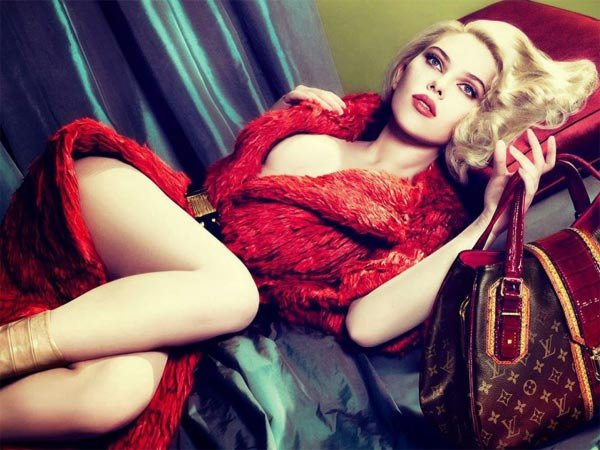 Scarlett Johansson's hot photoshoot for magazine