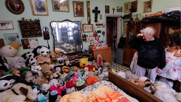 Woman collects 20000 stuffed toys over 65 years