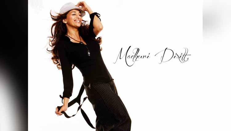 dhak dhak girl madhuri dixit all set to produce marathi film