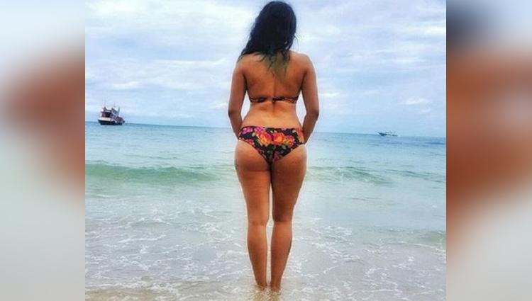 Bollywood singer neha bhasin hot photos