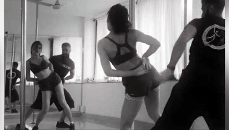 just jacqueline fernandez and her uber cool dance moves