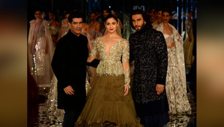 Alia Bhatt And Ranveer Singh Walked For Manish Malhotra At FDCI India Couture Week