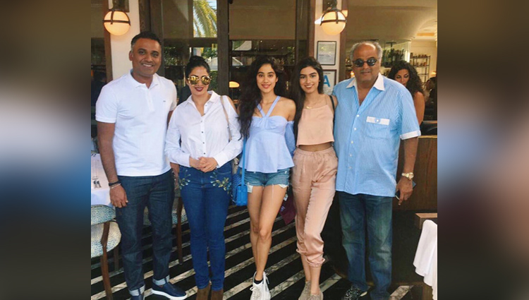LA Vacation Of Sridevi And Daughters Is Simply Perfect