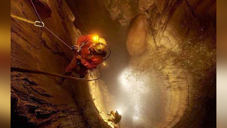 worlds deepest cave