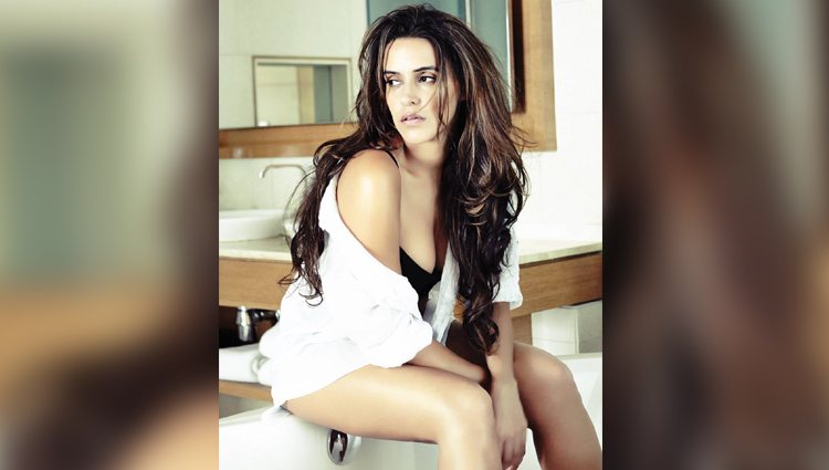 neha dhupia bold and sexy actress hot photos sexy photos