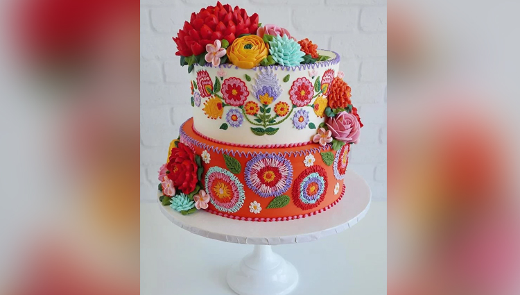 amazing Hand Embroidery Patterns Perfect cake