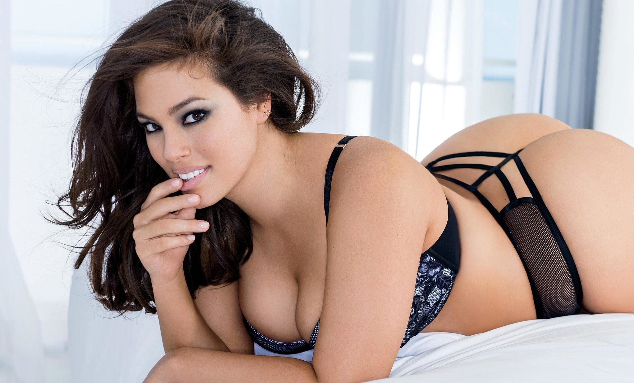 Model Ashley Graham hot photoshoot for British Vogue magazine