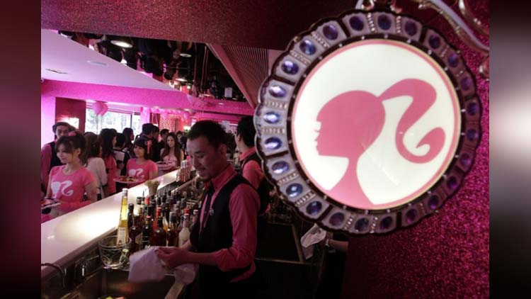 world's first Barbie Café in taiwan