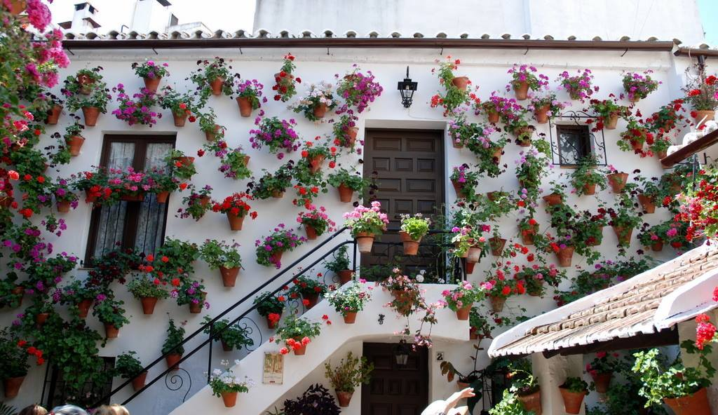 how to decorate home by flowers