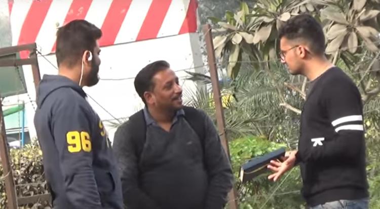 Itni chocolaty kyun hai Comment Trolling Pranks in India 2017