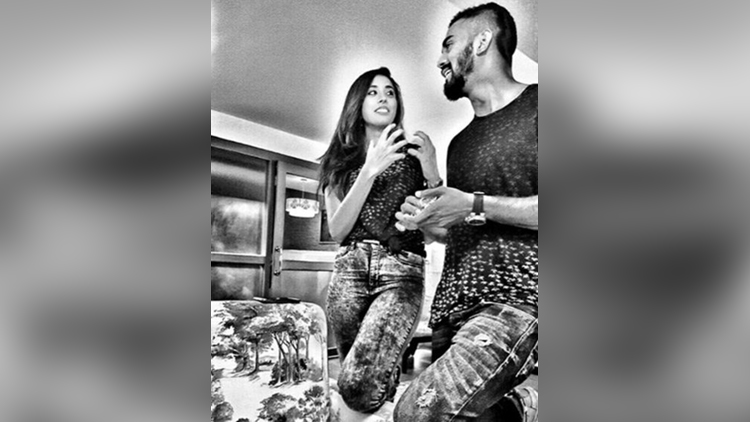 KL Rahul and Elixir Nahar cute pictures
