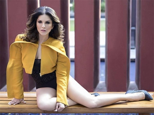 viral hot pictures of sunny leone